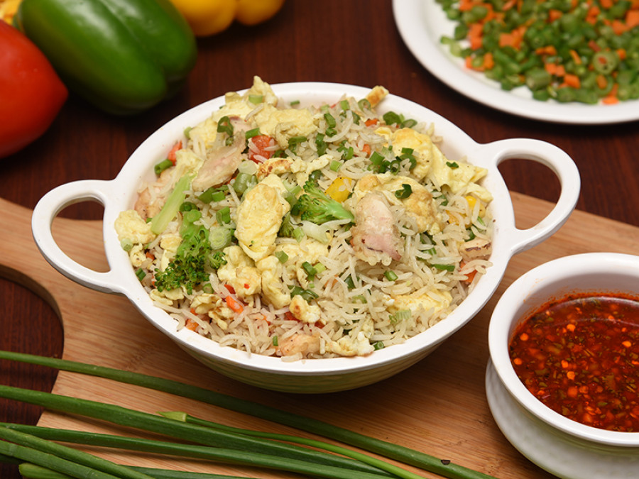 1581509146-CHICKEN FRIED RICE copy.jpg