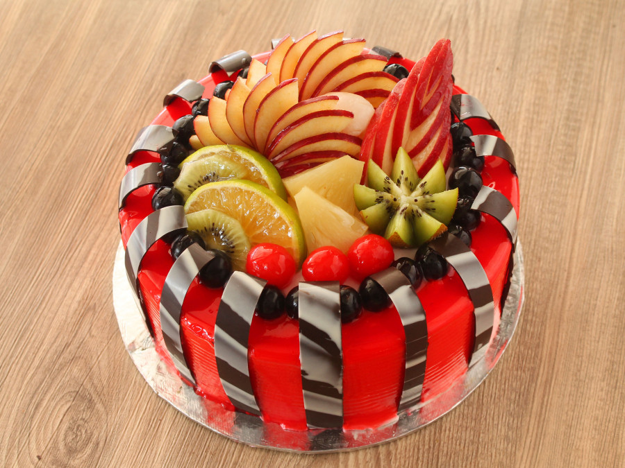 1582116404-Fresh Fruit Cake.jpg